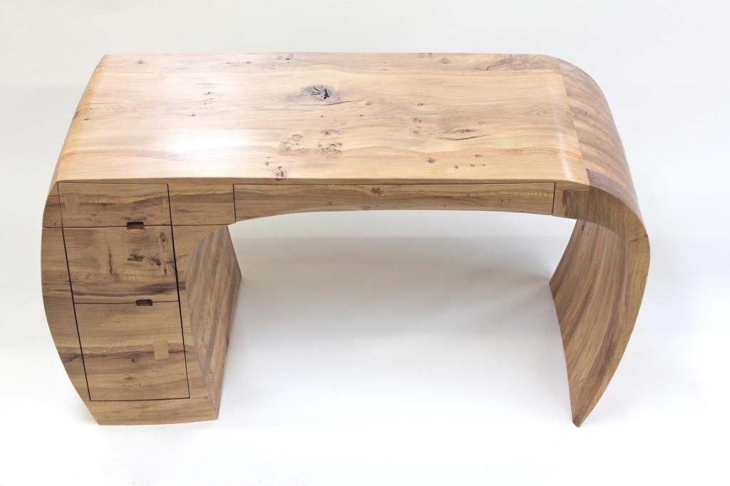 Compacto de madera con cajones integrados