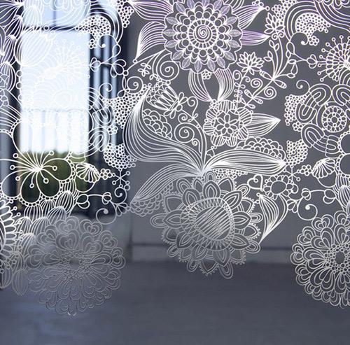 Celosias con calados florales en acero