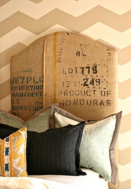 Cabecero tapizado, con tela de saco impresa