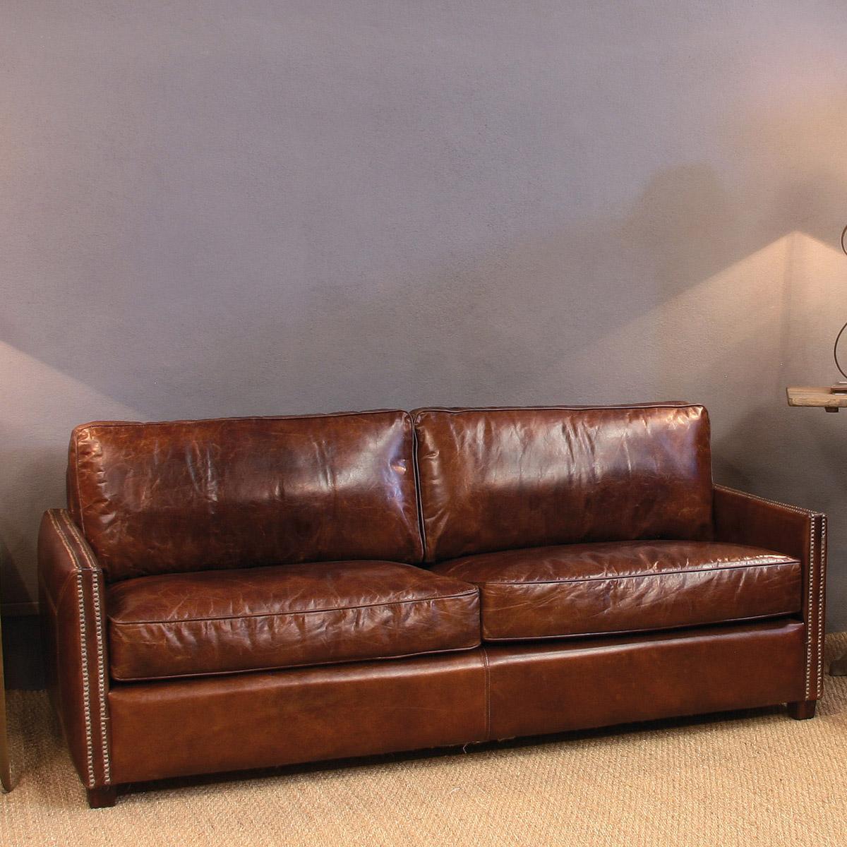 10 sof s vintage de piel no te tumbas for Sofas grandes de piel