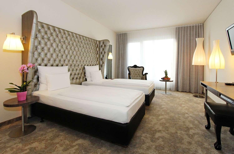 Habitaciones de hotel con decoraciones muy chic - Cabecero acolchado ...