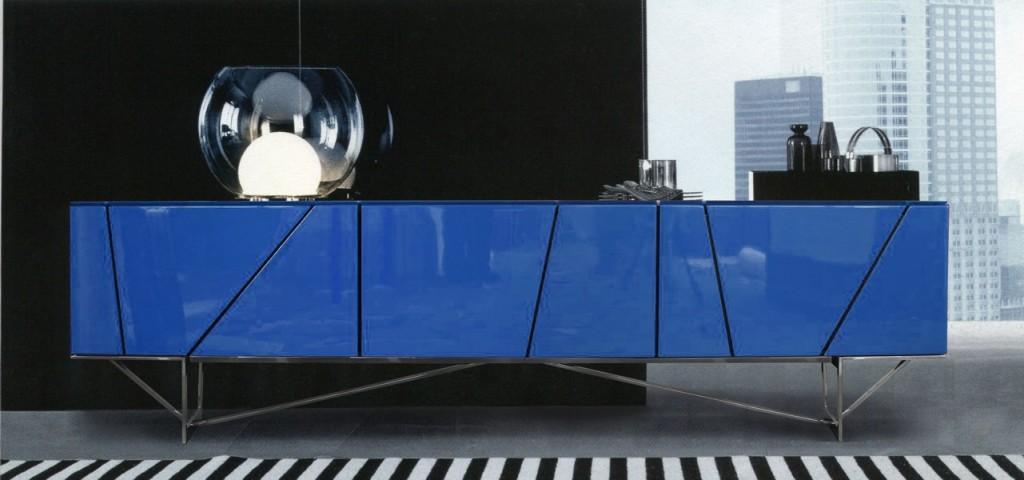 Mueble para tv de laca azul  con patas de metal