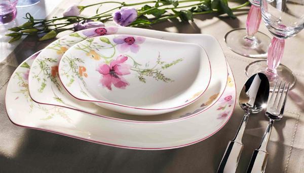 Vajillas el arte de vestir la mesa for Vajillas porcelana clasicas