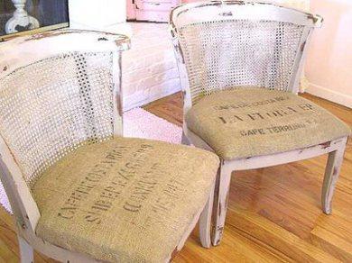 El asiento de estas sillas, tapizados de tela de saco
