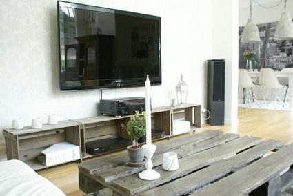 Mueble para tv con cajas hechas con palets