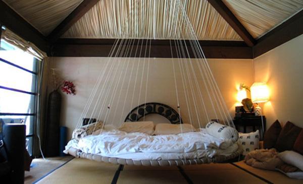 10 fant sticas camas colgantes - Sillas colgantes del techo ...