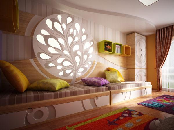 Habitación infantil, con originales motivos calados en madera.