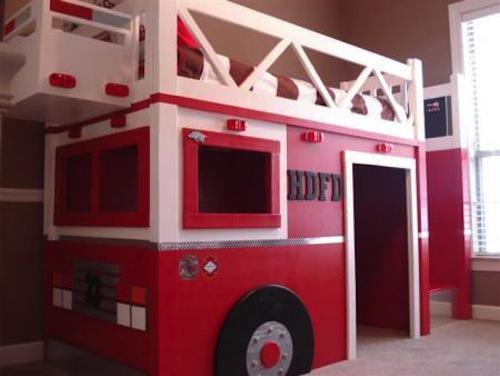 Habitación infantil, como un parque de bomberos