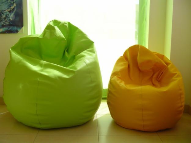Con forma de saco y colores llamativos.