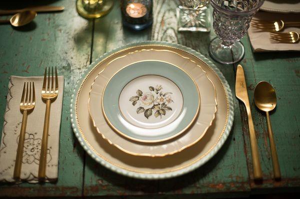 Vajillas el arte de vestir la mesa for Vajilla retro