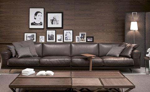 Sofá vintage de piel, marrón grisaceo oscuro