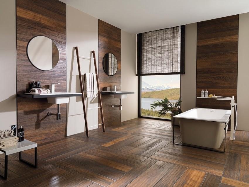 Suelo de imitación madera, en el baño.