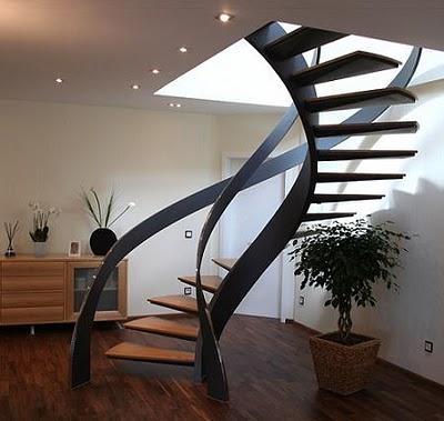 en espiral de madera y metal