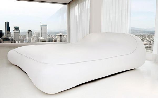 Diván de día y confortable cama de noche.
