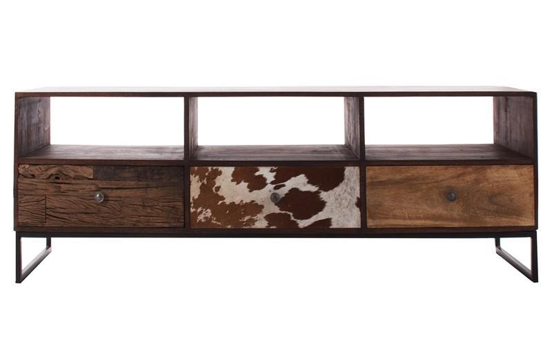 Mueble de tv de madera y piel.