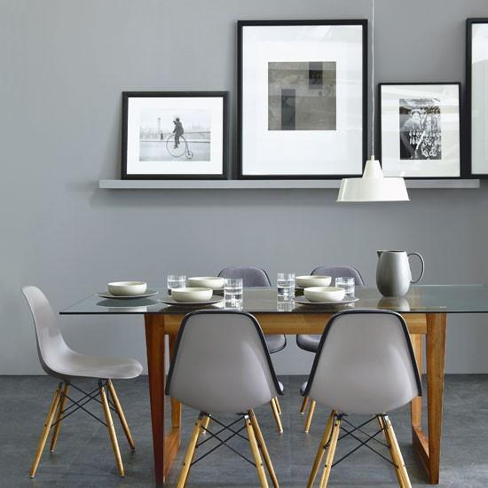 Moderno diseño con respaldo y asiento de una pieza.