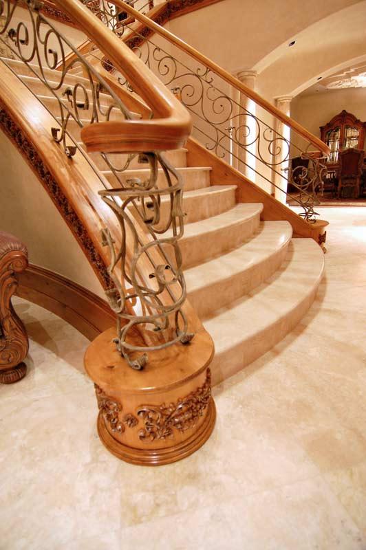 Diseño clásico que combina hierro y madera.