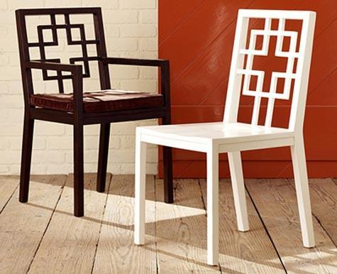 Silla y sillón de madera lacada con palillería .