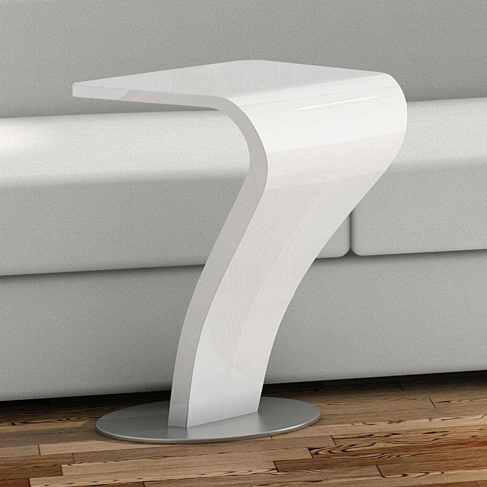 16 mesas auxiliares con estupendos dise os for Mesas auxiliares de salon