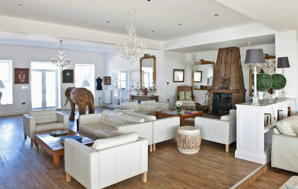 Decoraciones en blanco y madera natural - Casas de madera decoracion ...