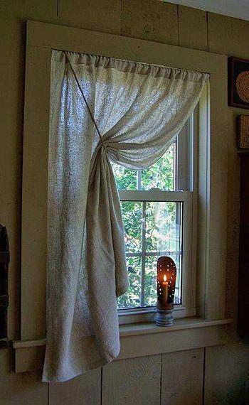 Cubriendo una pequeña ventana.