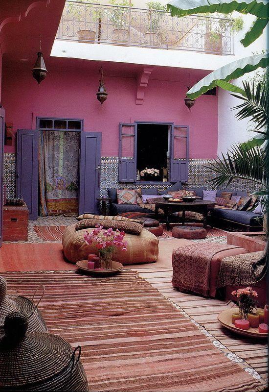 Exótica decoración en un riad marroquí.