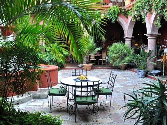 10 fabulosos patios de interior de estilo colonial - Patios con estilo ...