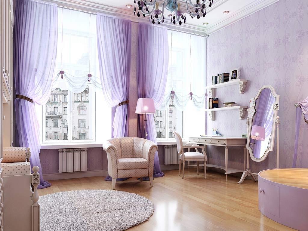 En un amplio y romántico dormitorio.