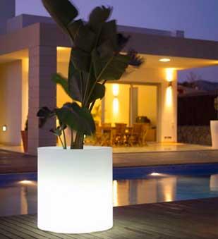 Iluminaci n de jard n for Luces de jardin exterior