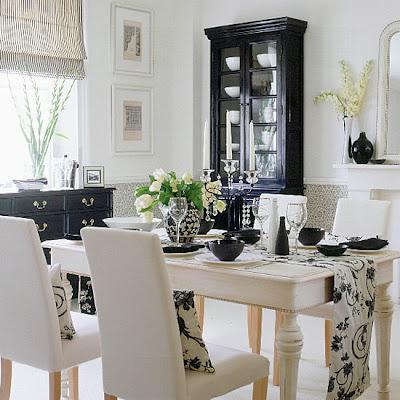 Comedor con mobiliario en ambos colores.