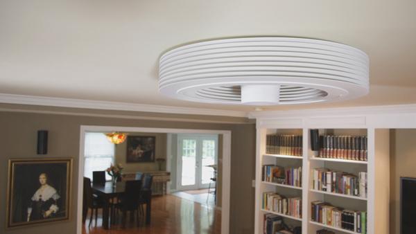 Moderno ventilador de techo sin aspas.