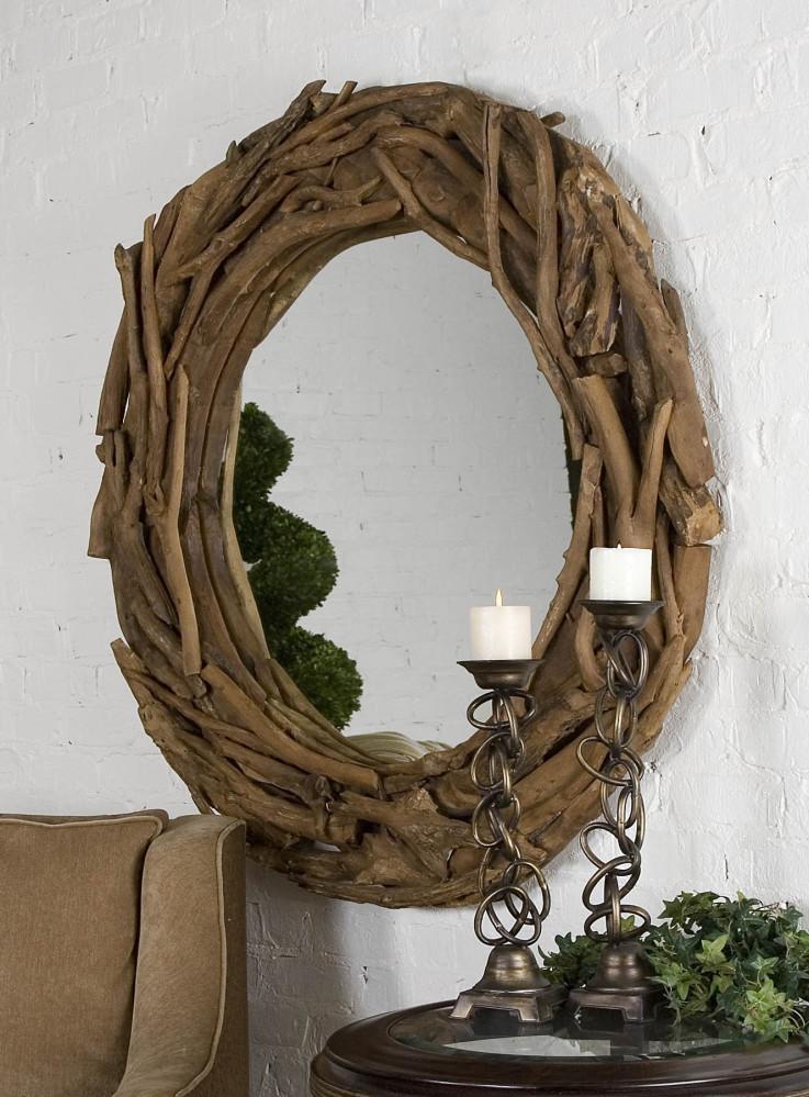 Modelo rústico con un marco ramas secas.