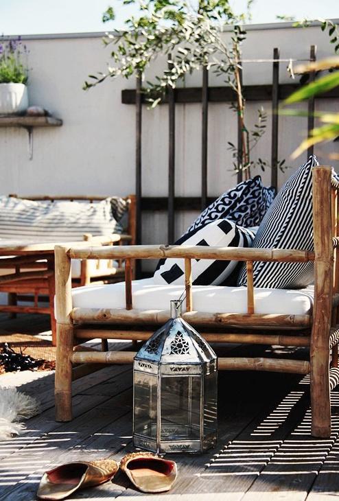 Sofás y sillones con armazón de caña.