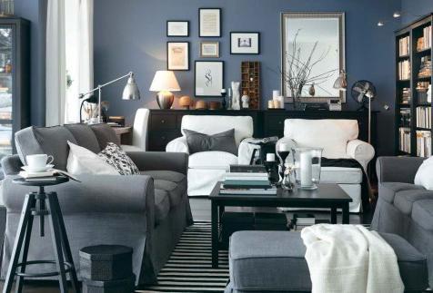 Acogedor salón en azul grisáceo.