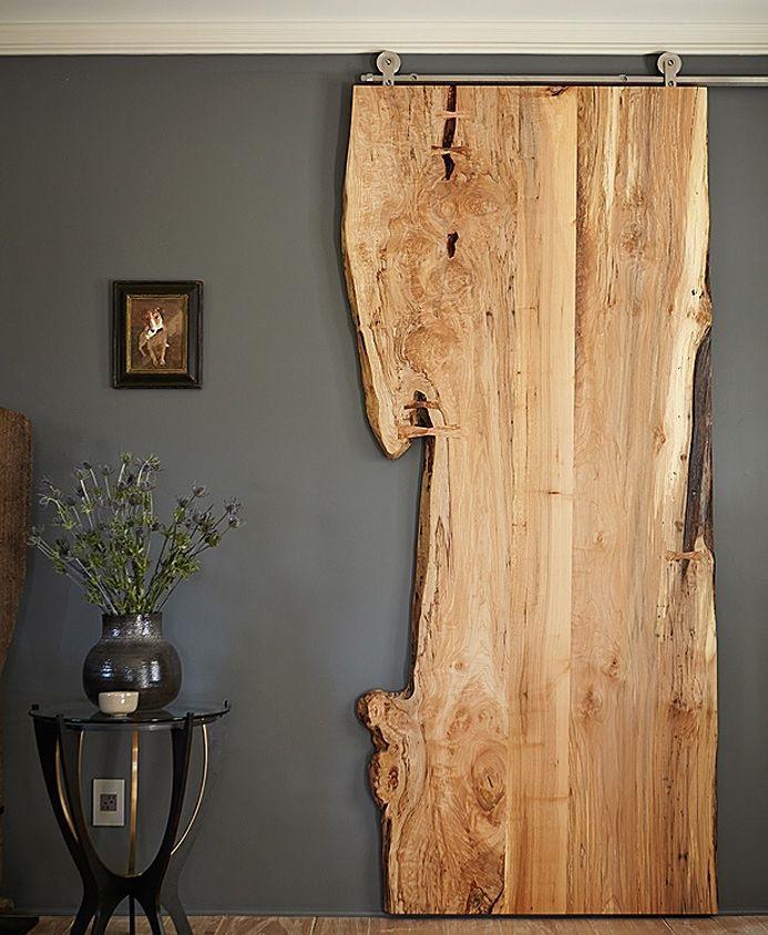 un diseo con una pieza de madera deslizante