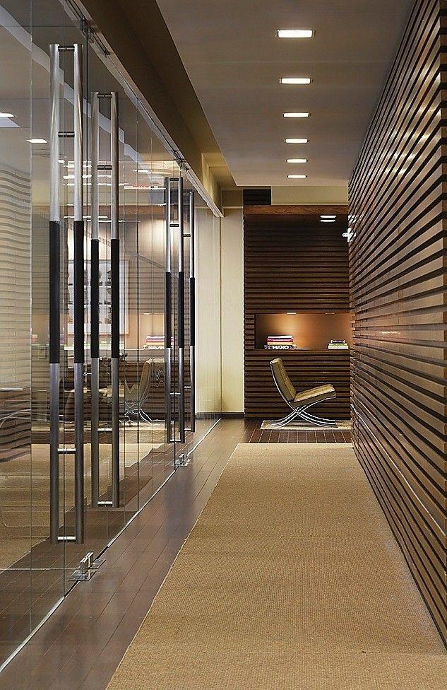 Aprovechar los pasillos con armarios - Espejos para pasillos ...