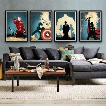 Cuatro pinturas con imágenes de cómic.