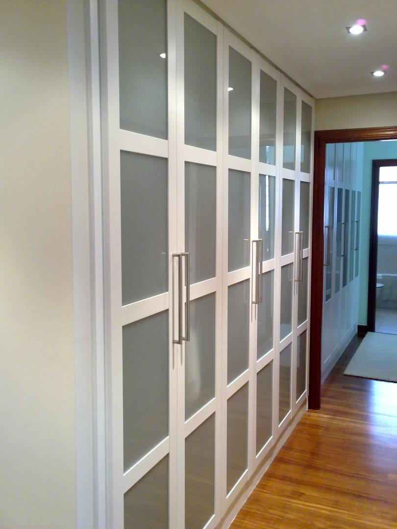 Aprovechar los pasillos con armarios - Armarios para pasillos ...