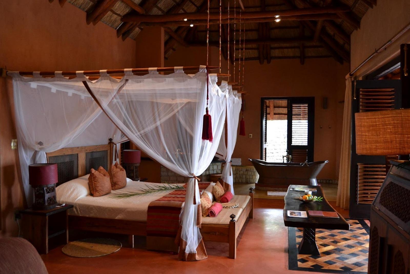 Dormitorios de estilo colonial for Dormitorio colonial