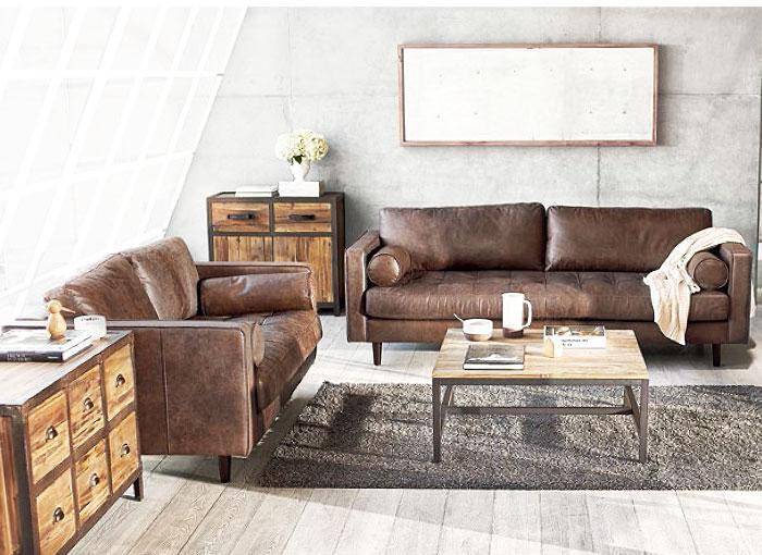 Muebles de madera lavada en este moderno salón