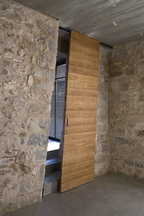 Un original modelo de madera, deslizante en diagonal.