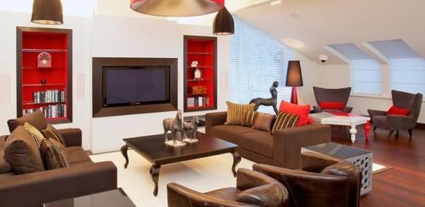 Detalles de este color equilibra la decoración de esta estancia.