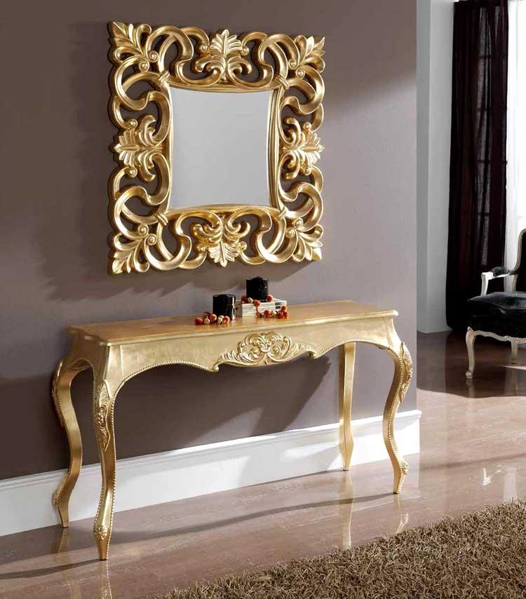 Un conjunto de consola y espejo moderno inspirados en modelos clásicos.