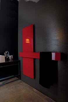 Este diseño de intenso tono rojo, se denomina Square y es de la firma Tubes.