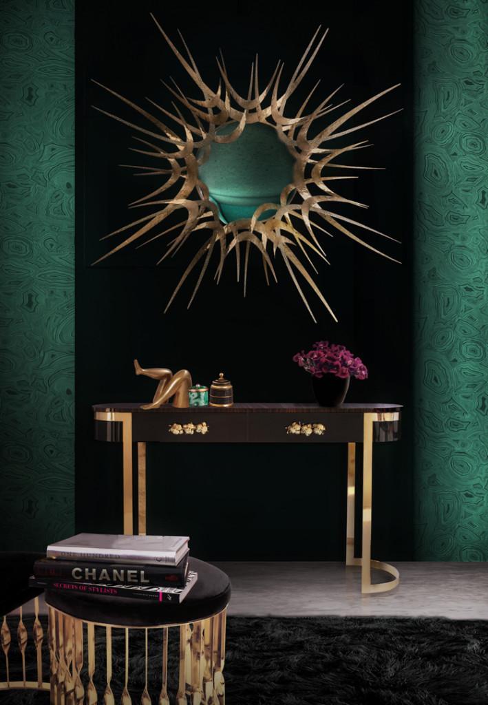 Un interesante conjunto este del espejo Gilt sobre la consola Orchidea de Koket.