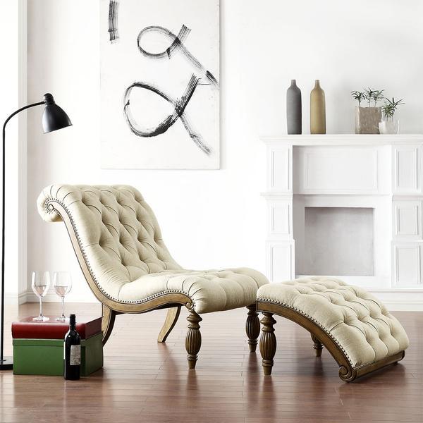 En esta imagen lo que destaca es la clásica Chaise longe.