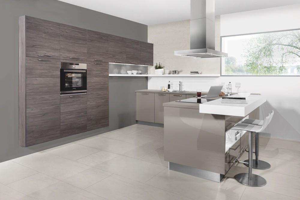 10 cocinas en madera y gris for Muebles de cocina gris