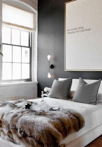 Un diseño sencillo de estilo minimal, con luces en los extremos.