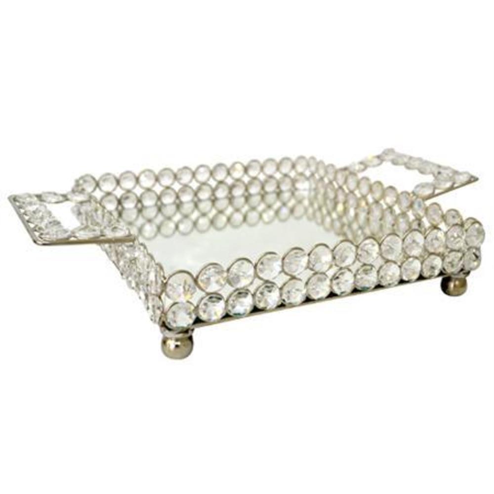 Una bandeja moderno, fabricada con metal cromado, espejo y cristales facetados.