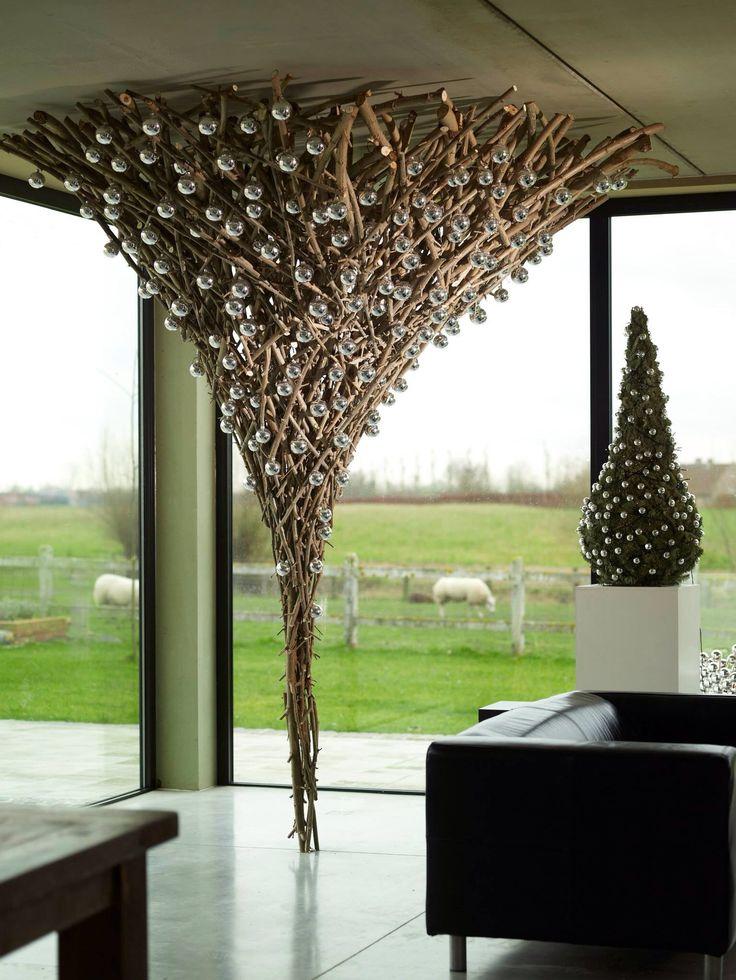 Decoraci n de navidad vanguardista - Decoracion con ramas de arboles ...